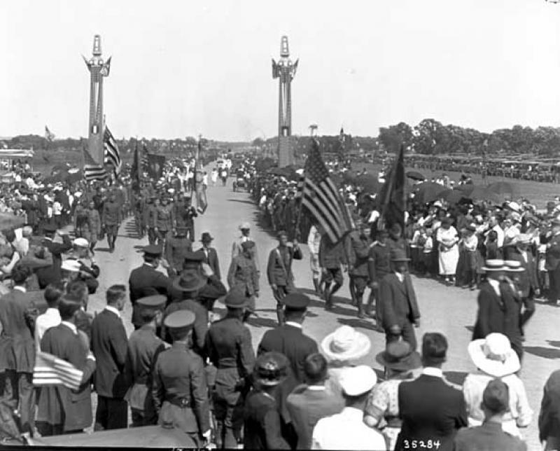 Soldiers marching in the opening parade to the dedication of Victory Memorial Drive