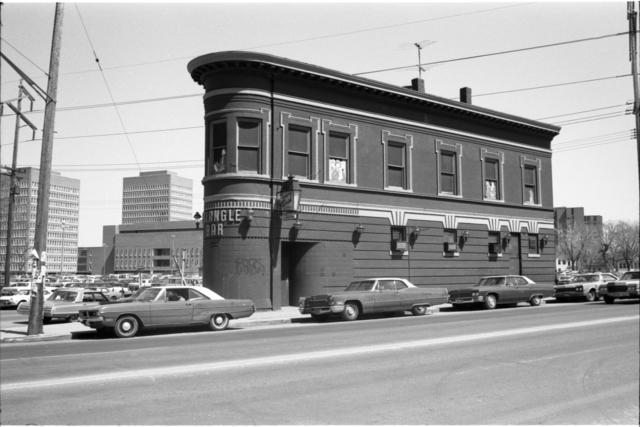 Triangle Bar, 1972