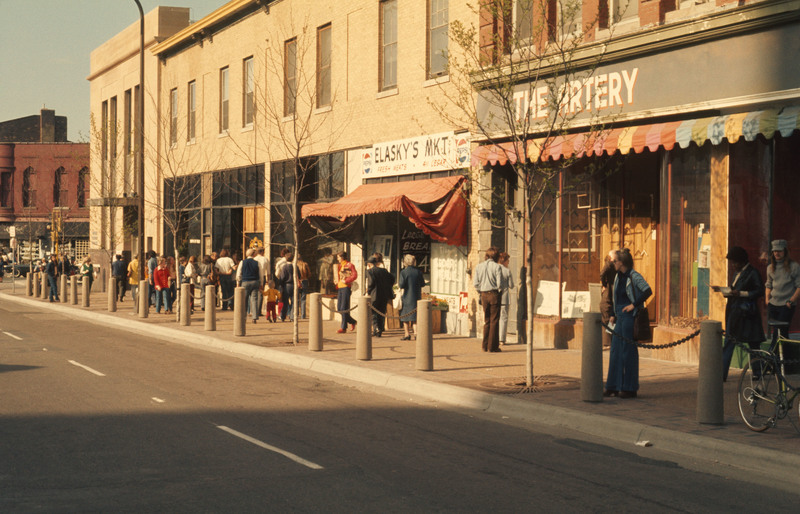 Cedar Avenue during Snoose Boulevard Festival, 1975