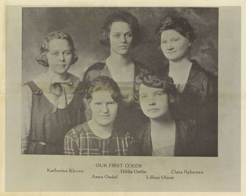 First Coeds at Augsburg College, 1922