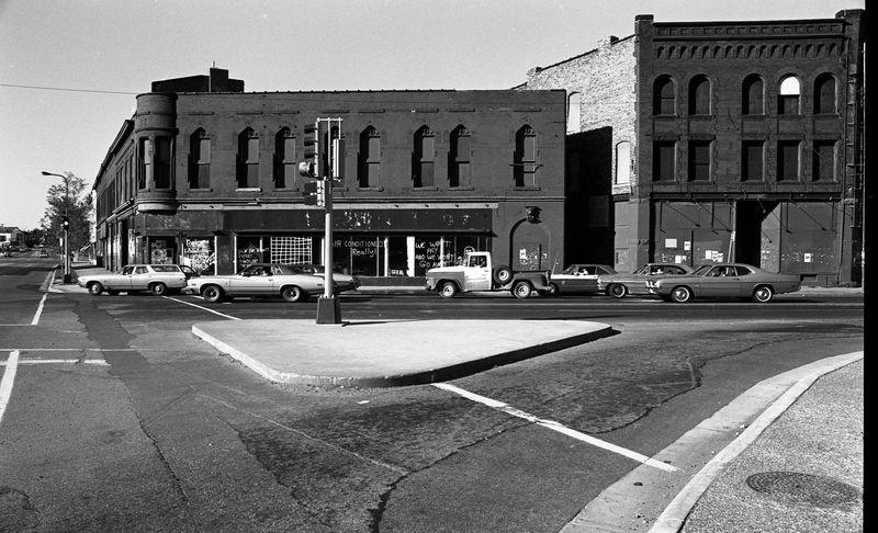 New Riverside Cafe, 1974