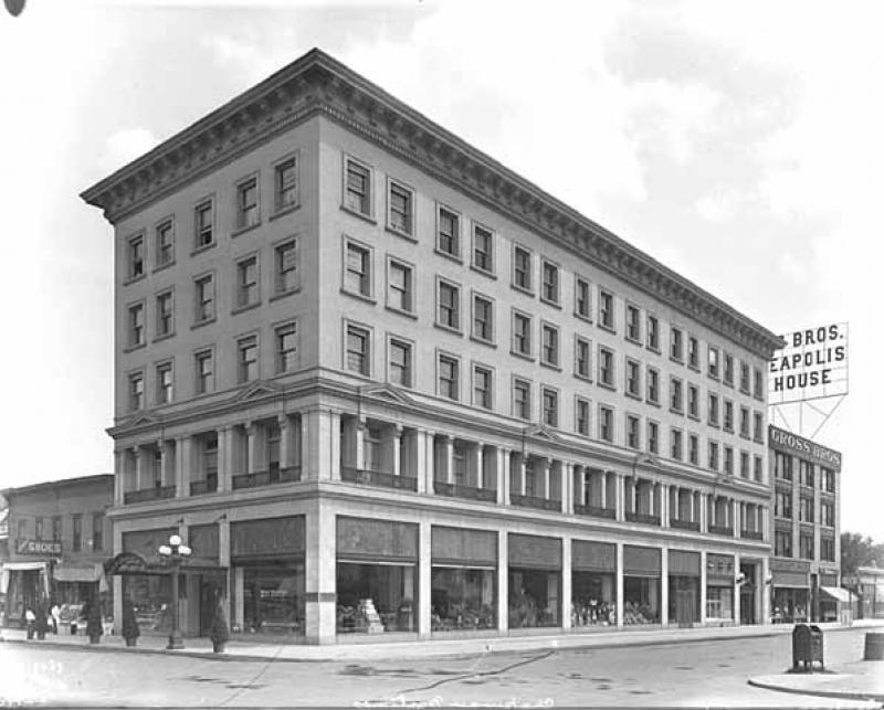The Essex Building, 84 Tenth Street South