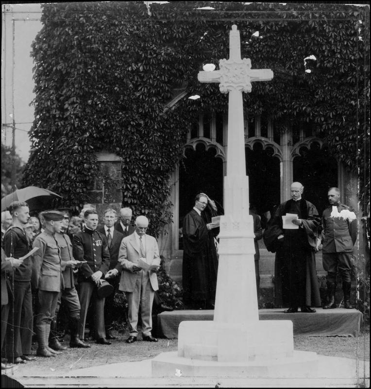 Dedication ceremony for the exterior World War I monument at Plymouth Congregational Church