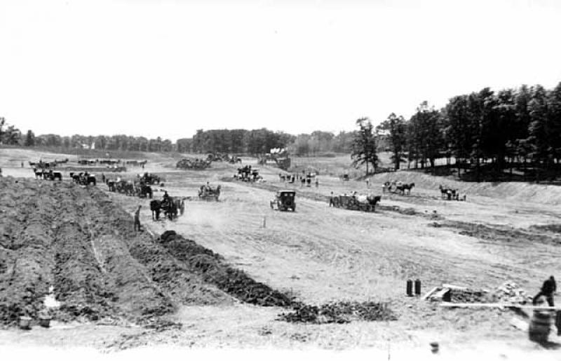 Construction of Victory Memorial Drive