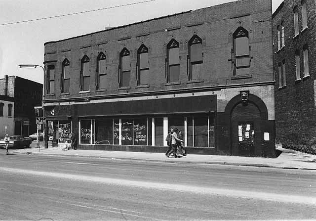 New Riverside Cafe, 1972