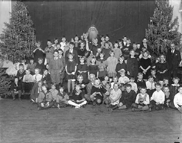 Christmas Party, Pillsbury House, 1925